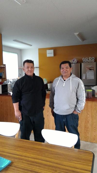 西府社長(左)と松葉会長(右)
